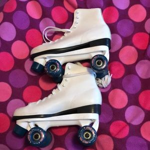 Shoes - Roller blades